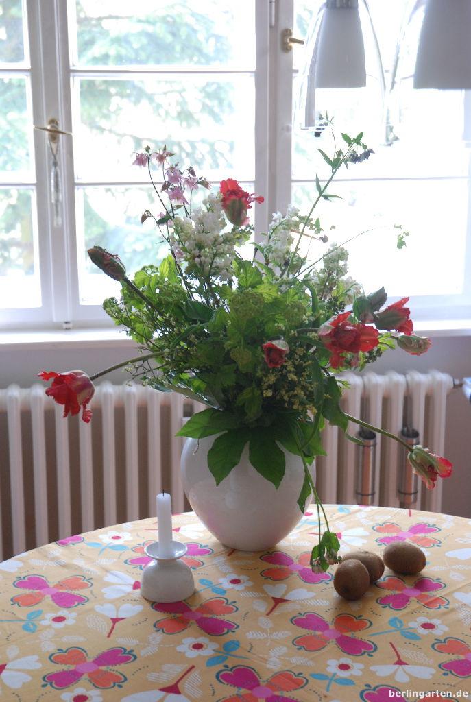 flieder tulpen akeleien der traumstrau berlingarten. Black Bedroom Furniture Sets. Home Design Ideas