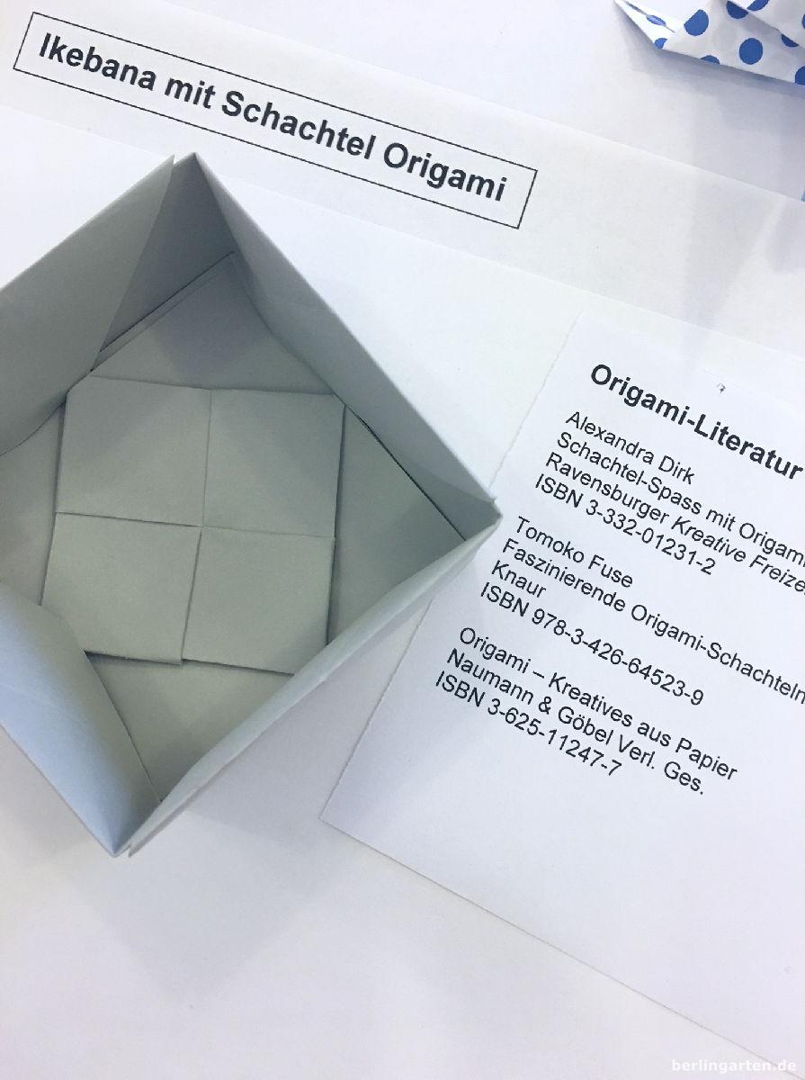 Der Boden der Origami-Schachtel ist fertig