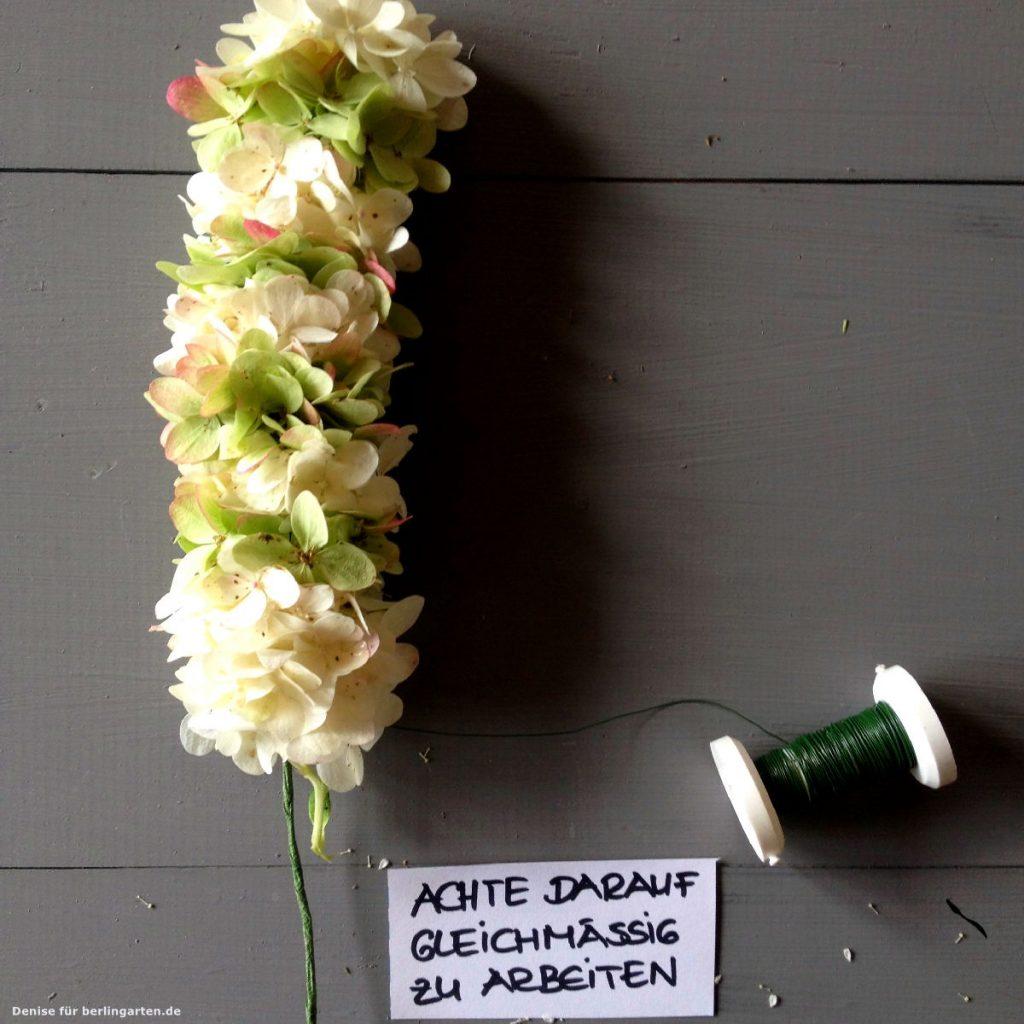 kranz aus hortensien ganz einfach selber zaubern. Black Bedroom Furniture Sets. Home Design Ideas