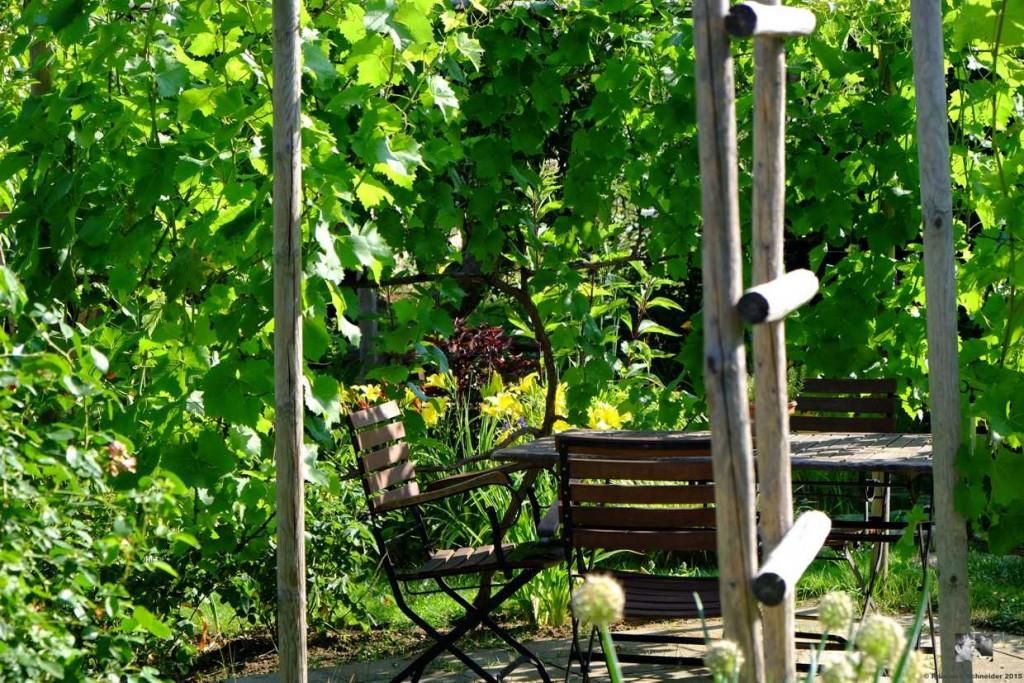Im Garten wird gelebt und genossen, hier trifft man sich mit Freunden.