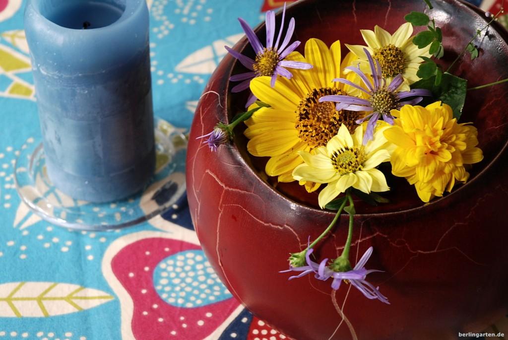 Sonnenblumen und Astern