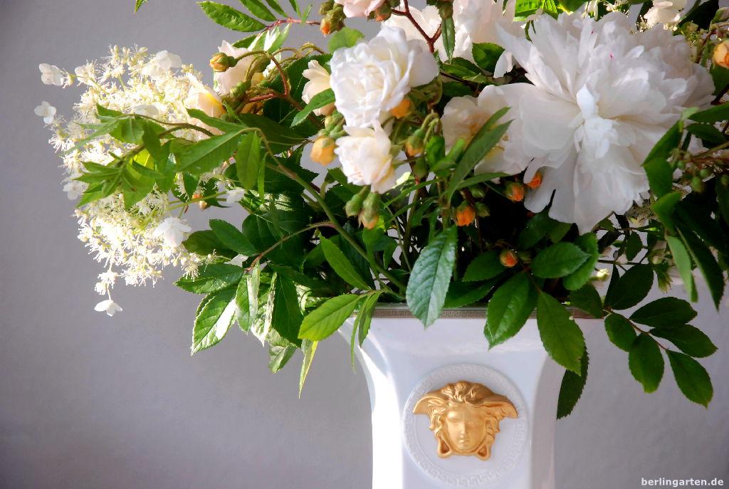 Serie Vasen Ein Weißer Strauß Aus Rosen Päonien Und Jasmin