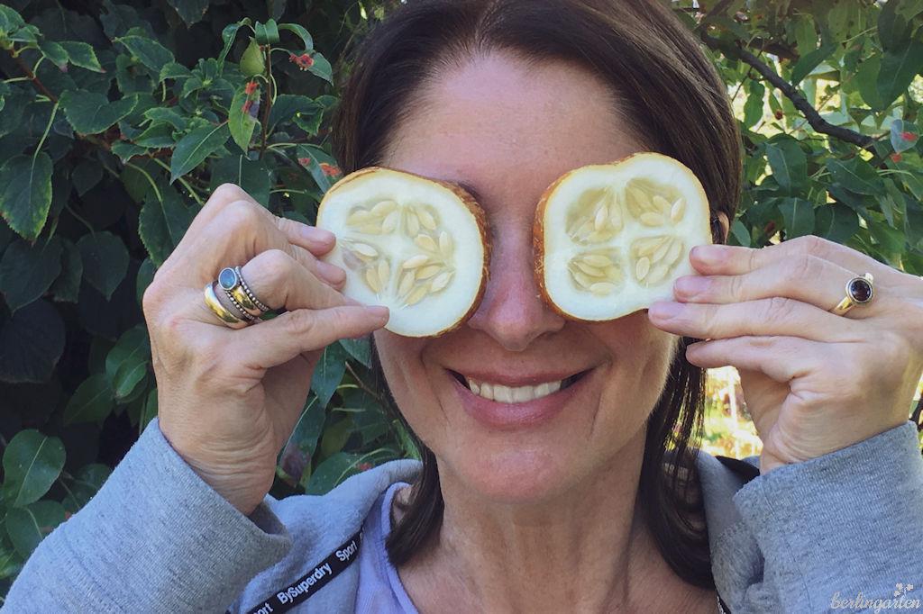 Zitronengurke auf den Augen